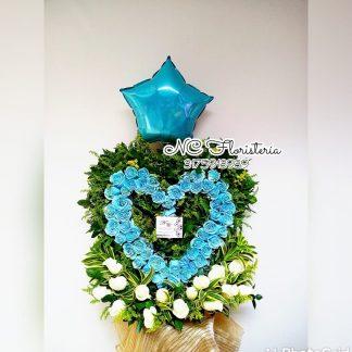 floristerias en caliArreglo floral personalizado rosas azules y blancas